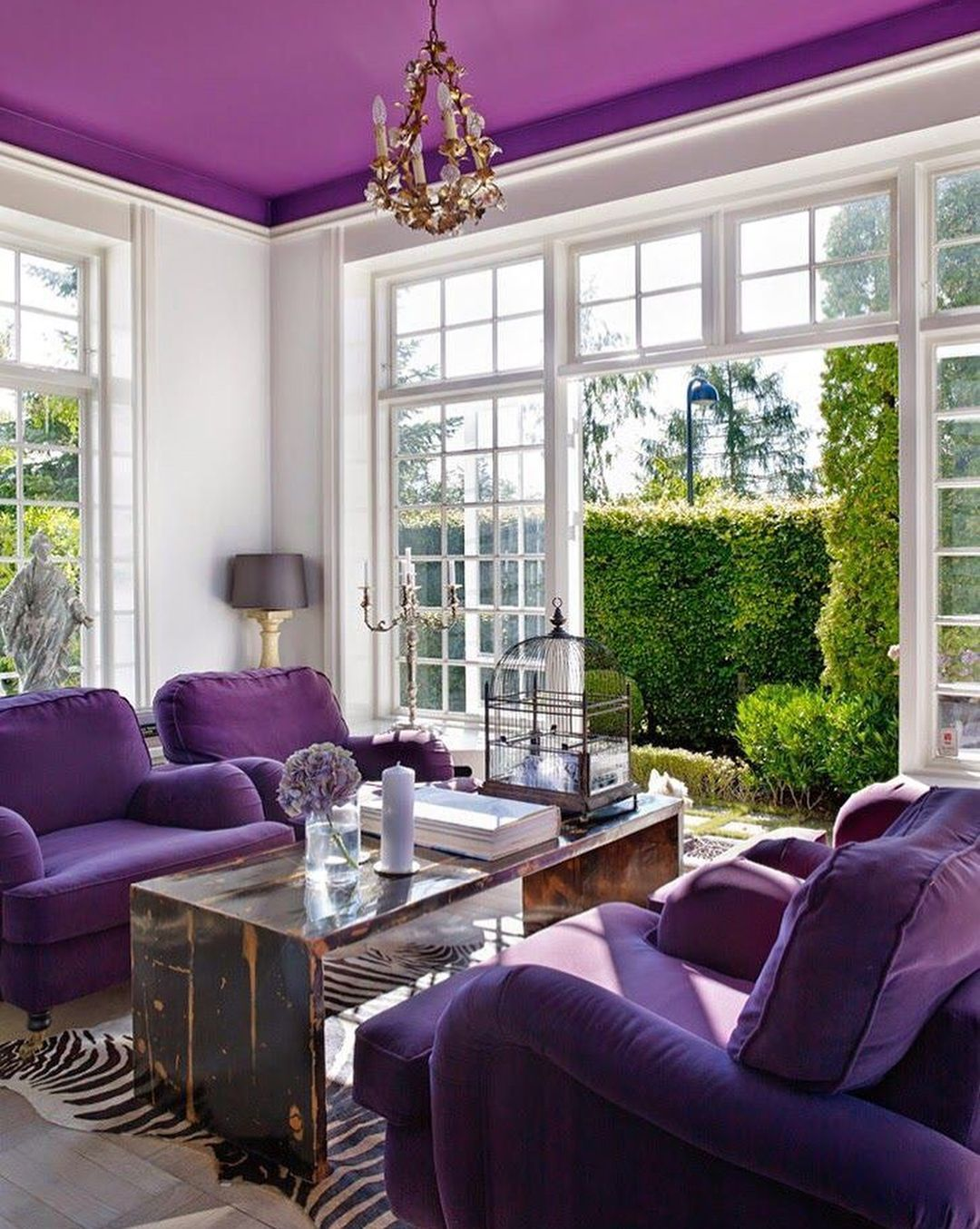 decorar con ultra violet, el color pantone 2018