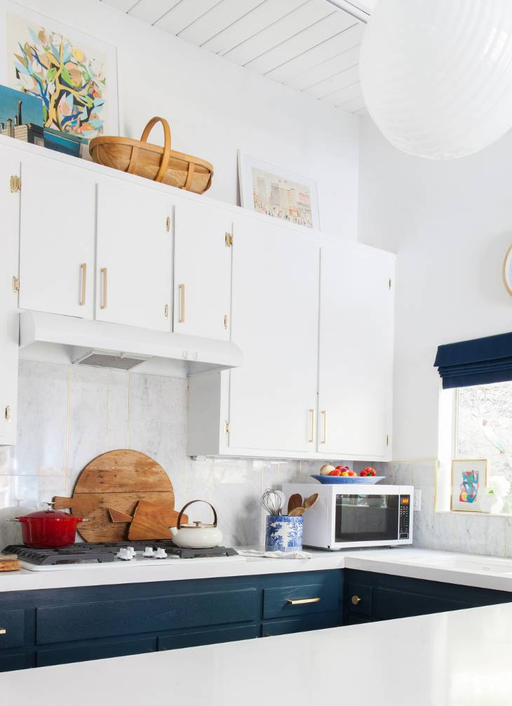 kitchen_after_emily-henderson-blue-white-brass-countertops-cabinets